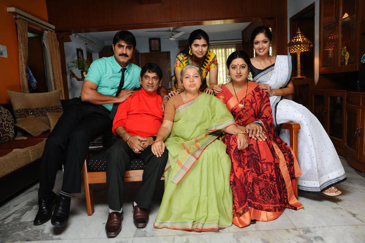 Lucky Telugu Movie Latest Photo