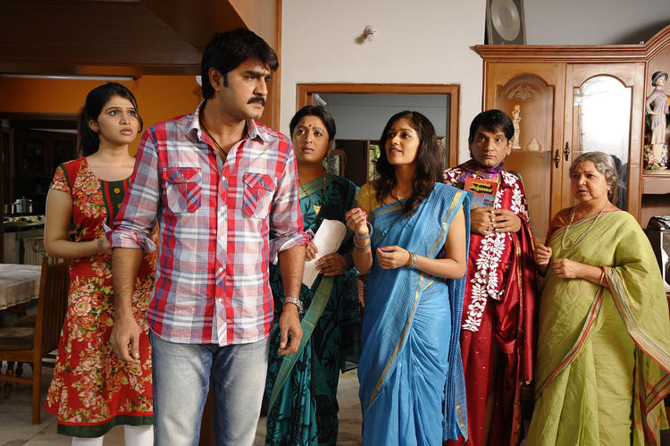 Meka Srikanth A Still From The Movie Lucky