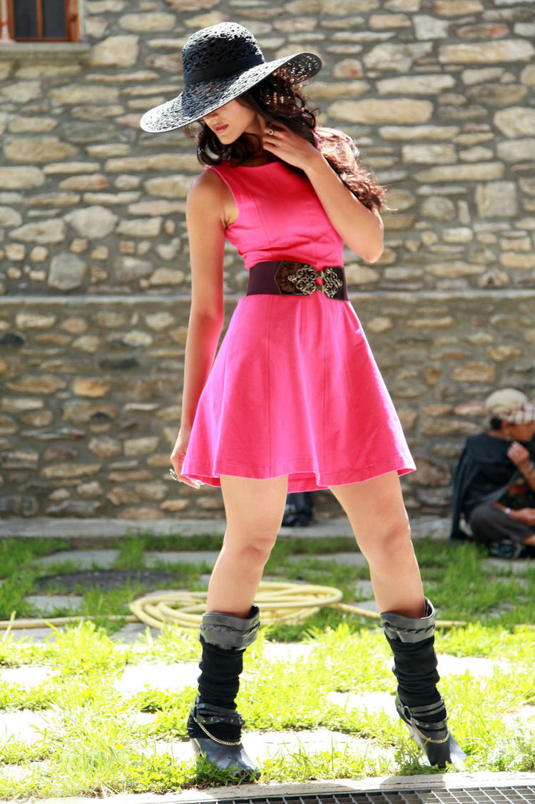 Ileana D'Cruz Cute Look In Pink Dress