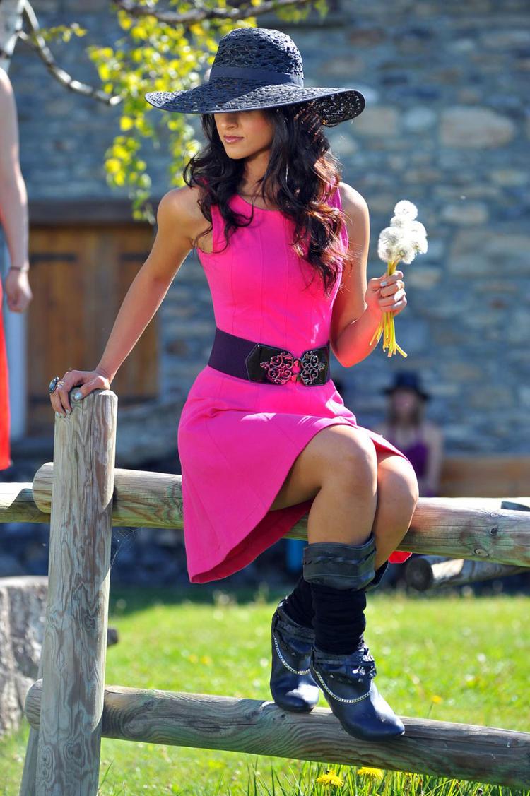 Ileana D'Cruz Glamour And Stylish Photo Shoot