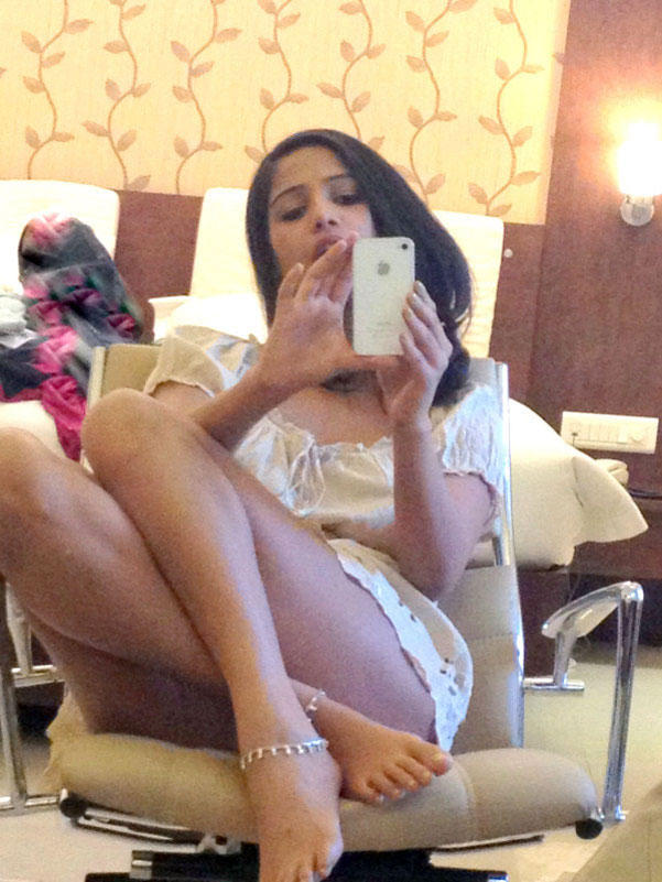 Poonam Pandey Exclusive Bold Pic