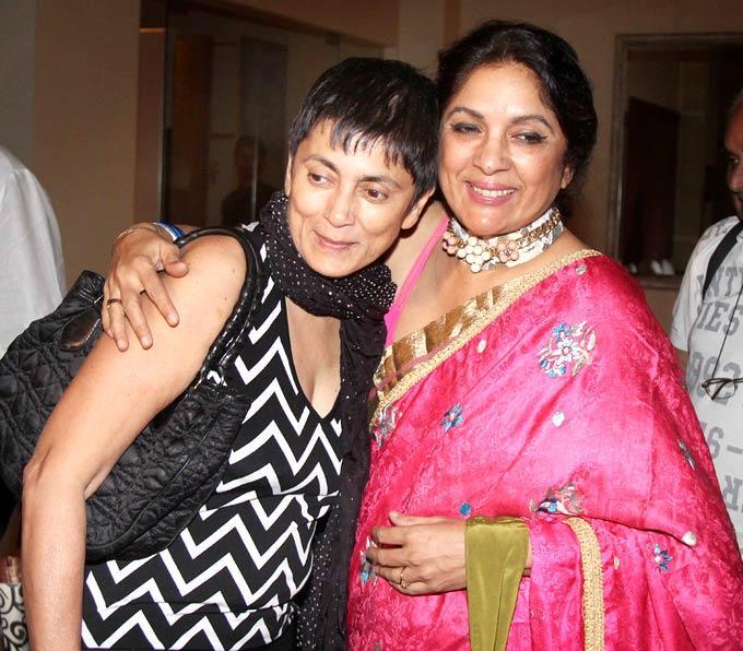Deepa And Neena Catch Up At Shashi And Anu Ranjans 25th Anniversary Bash