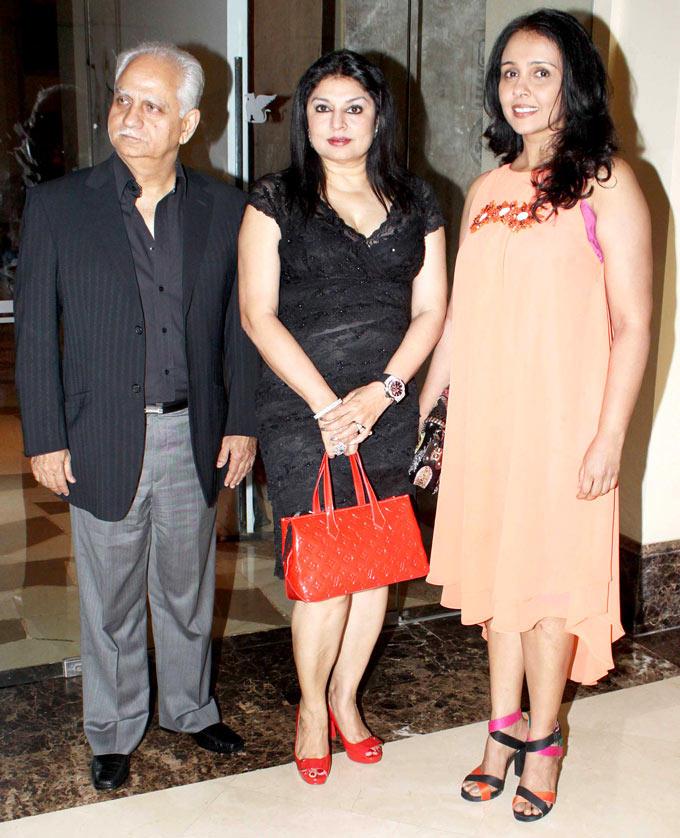 Ramesh,Wife Kiran With Suchitra At Shashi And Anu Ranjans 25th Anniversary Bash