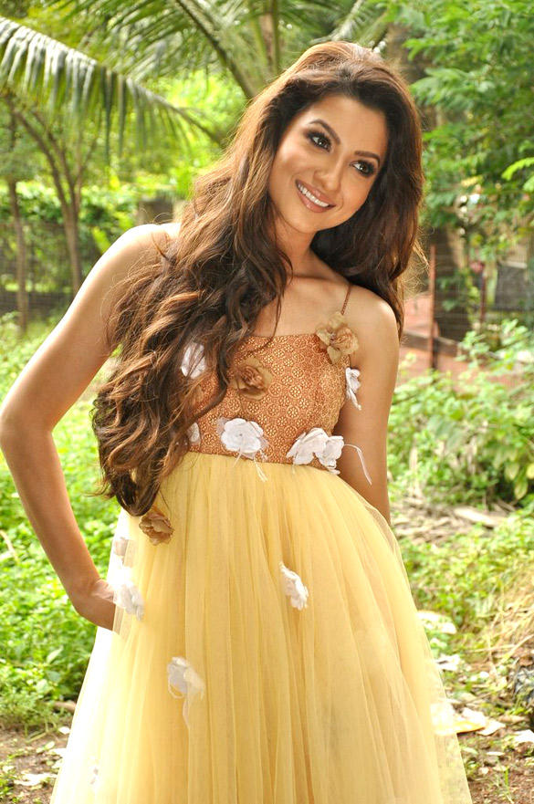 Gauhar Khan Cute Smiling Photo Shoot