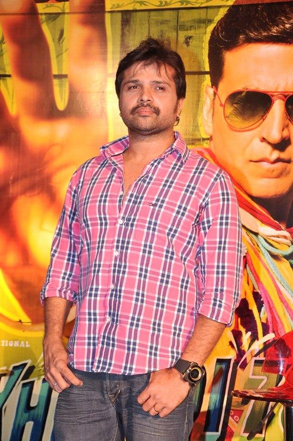 Himesh Clicked A Pose At Promo Launch Of Khiladi 786 Movie