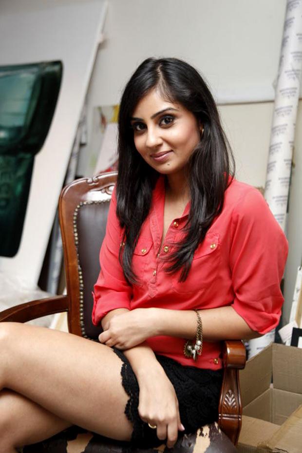 Bhanu Sri Mehra Stunning Face Look Stil