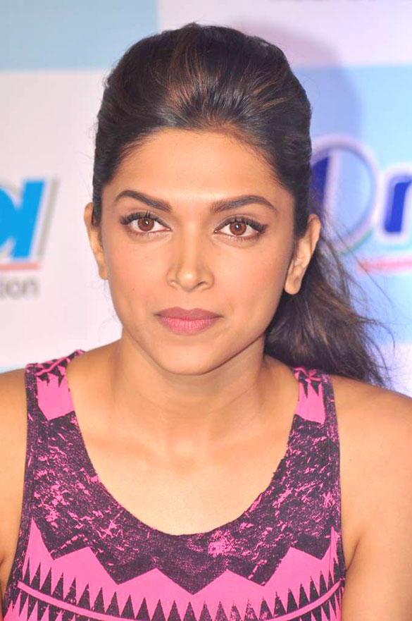 Deepika Padukone Close Up Pic During IDA-Orbit 2012 Press Meet