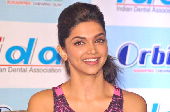Deepika Padukone Smiling Pic During IDA-Orbit 2012 Press Meet