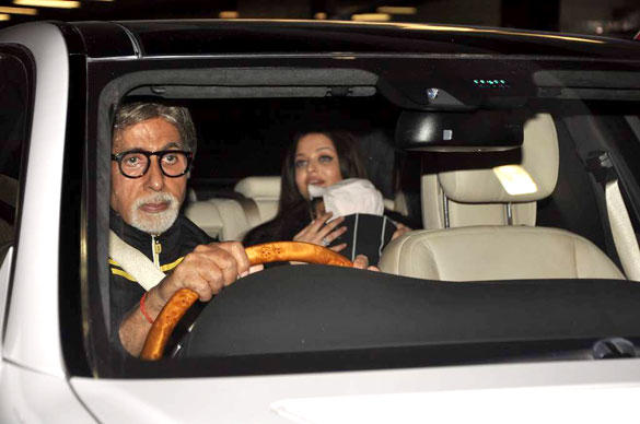 Amitabh Bachchan Receives The Ash and Aaradhya From Mumbai Airport
