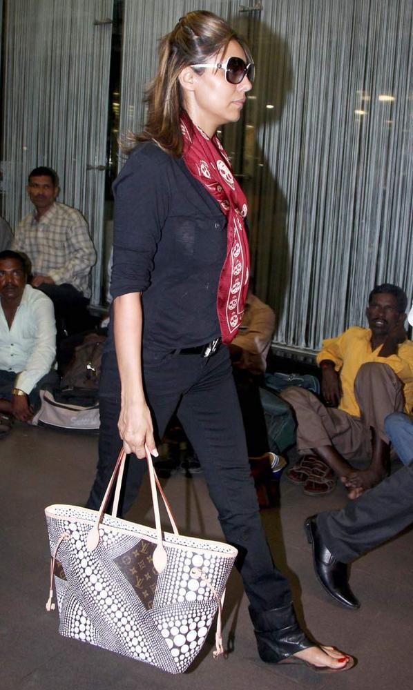 Gauri Khan Arriving At Airport