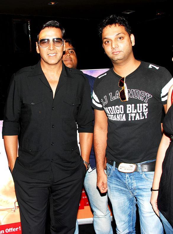 Akshay Kumar Poses To Photo Shoot