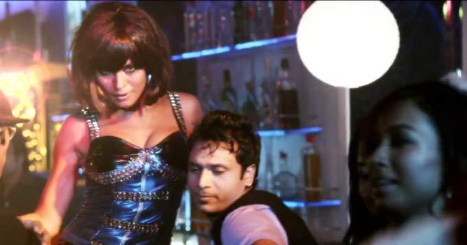 Veena Malik Hottest Still Form Her Video Raunchy Best