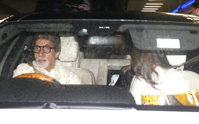 Amitabh Bachchan At The Airport