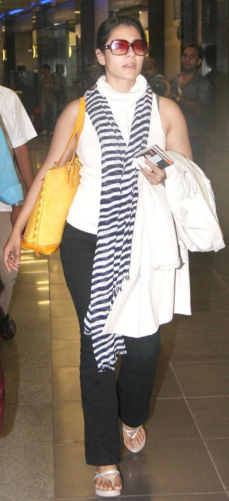 Kajol Spotted At Mumbai Airport
