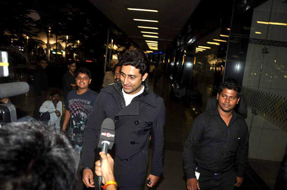 Bollywood Actor Abhishek Smiling Pic At Airport