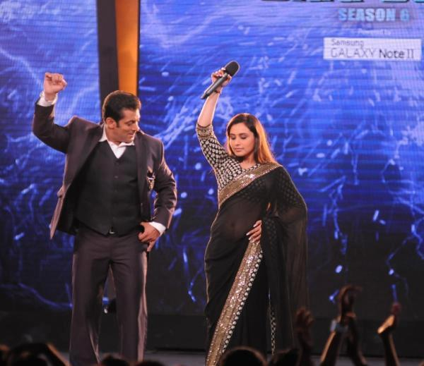 Rani Mukerjee Dancing With The Salman Khan On The Opening Episode Of Bigg Boss Season 6