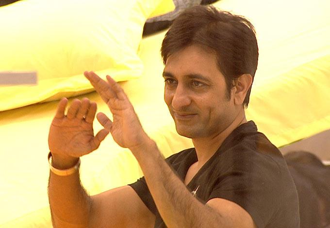 Rajeev Paul Smiling Pic At Bigg Boss House