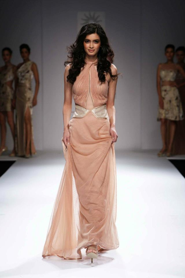 Diana Penty Walk The Ramp At The Wills Lifestyle India Fashion Week 2012 On Day 2