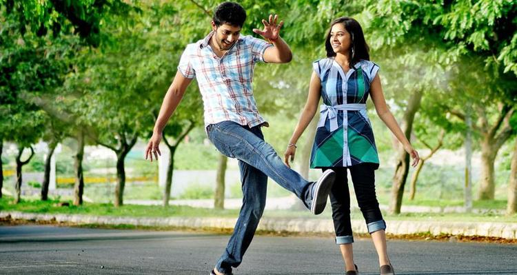 Prince And Sri Divya A Song Still From Bus Stop
