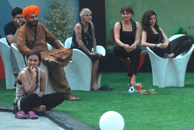 Sidhu,Rajeev And Others Contestant At Bigg Boss House