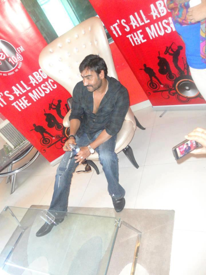 Ajay Devgan At 93.5 Red FM For Promoting Son of Sardar