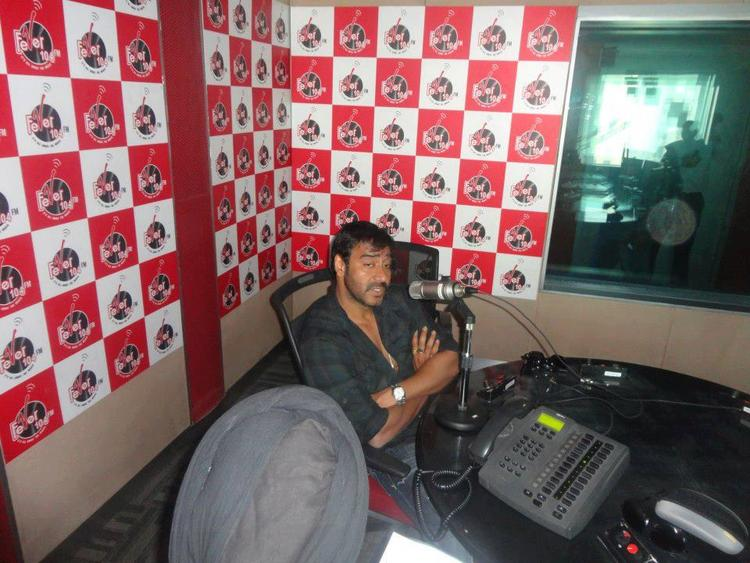 Ajay Devgan Spotted At 93.5 Red FM For Promoting Son of Sardar