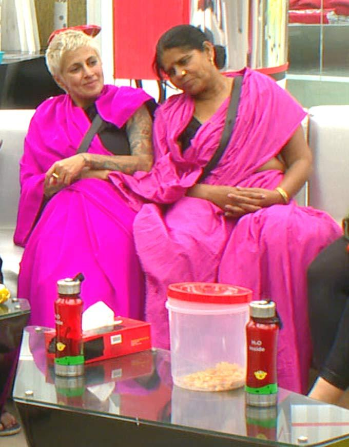 Sapna And Sampat Wore Pink Saree In Bigg Boss House