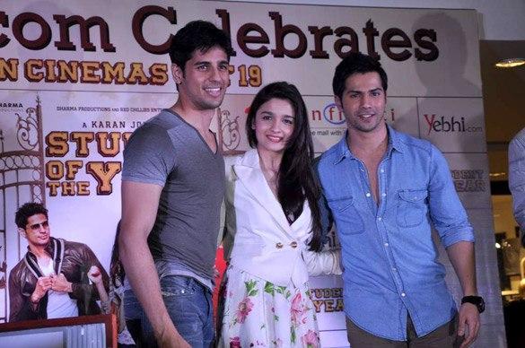 Siddharth,Varun And Alia Grace The Event