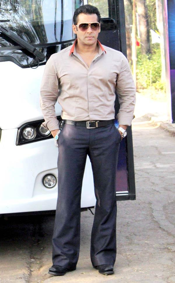 Salman Khan Launches The Bigg Boss Tour Bus In Lonavala