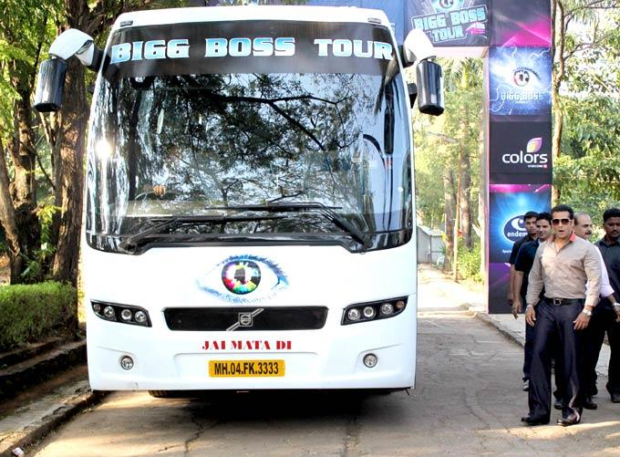 Salman Khan Take a Pose Near The Bigg Boss Tour Bus