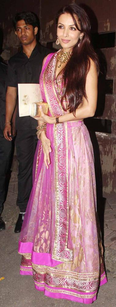 Malaika Clicked A Pose At Saifeena Sangeet Ceremony