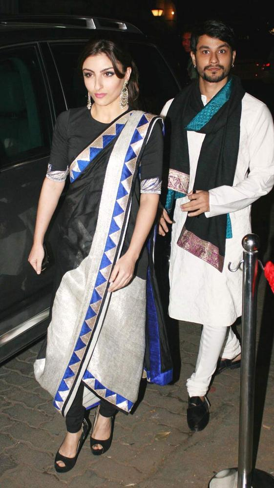 Soha With Beau Kunal Arrive For Saif And Kareena Sangeet Ceremony