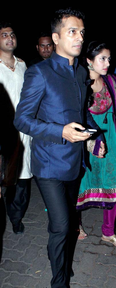 Vikram Attend The Sangeet Ceremony Of Saif And Kareena