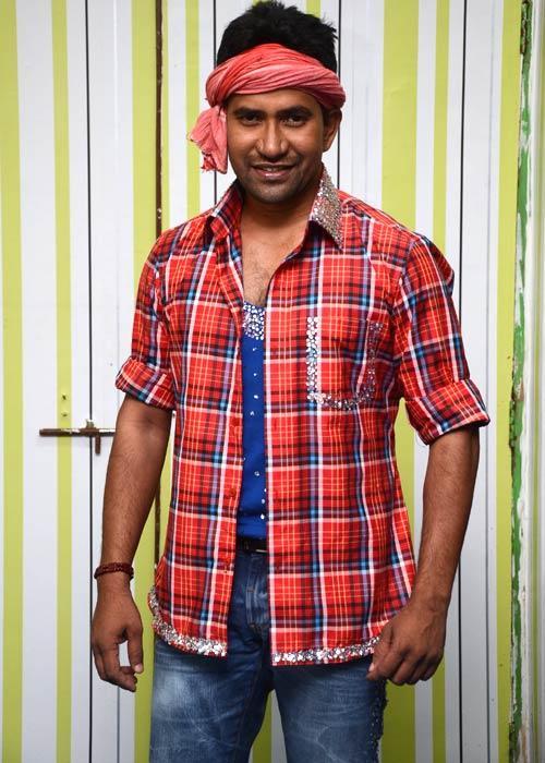 Dinesh Yadav In Bigg Boss House