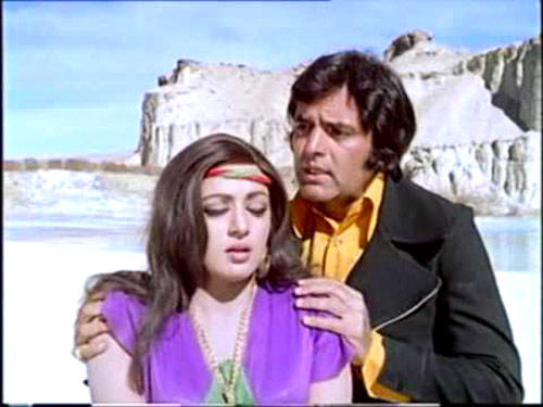 Hema Malini And Feroz Khan Still