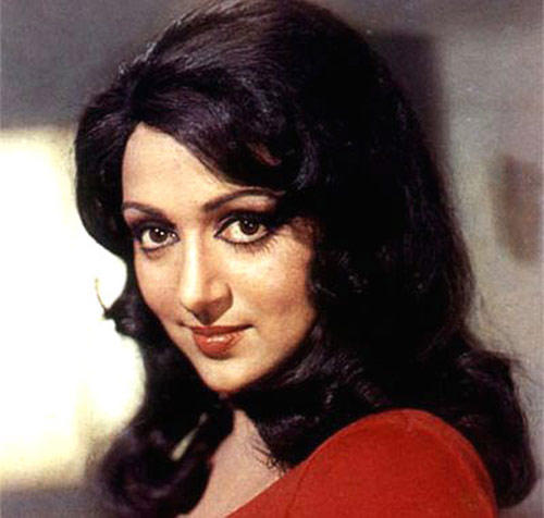 Hema Malini Dazzling Face Look Still