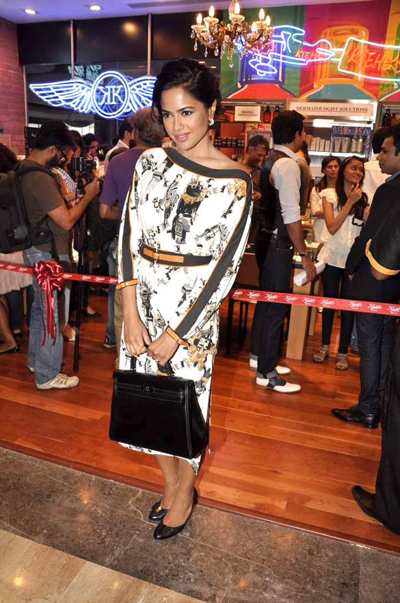 Sameera Attended The Launch Of The Kiehl Store At Palladium Mall