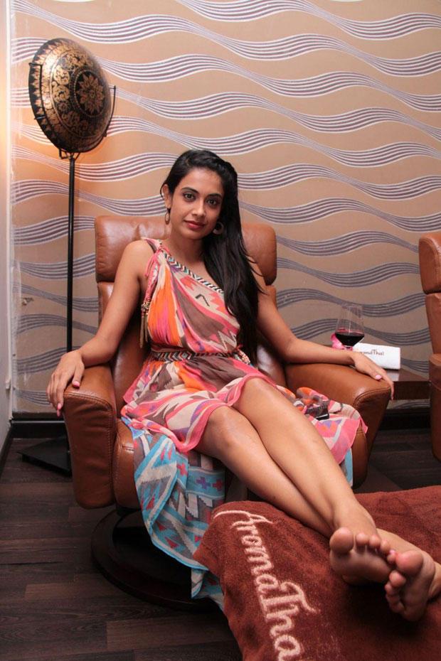 Sarah Jane Dias With Streching Leg For Photo Shoot