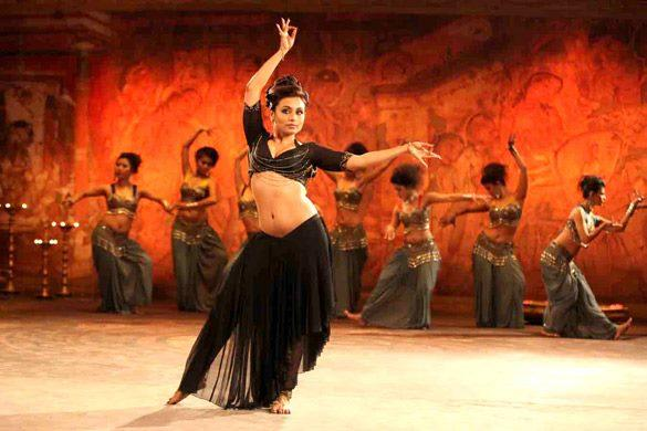 Rani Mukherjee Sexy Pose In Dancing Still