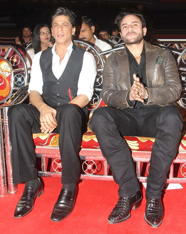 Saif  With SRK In Red Carpet