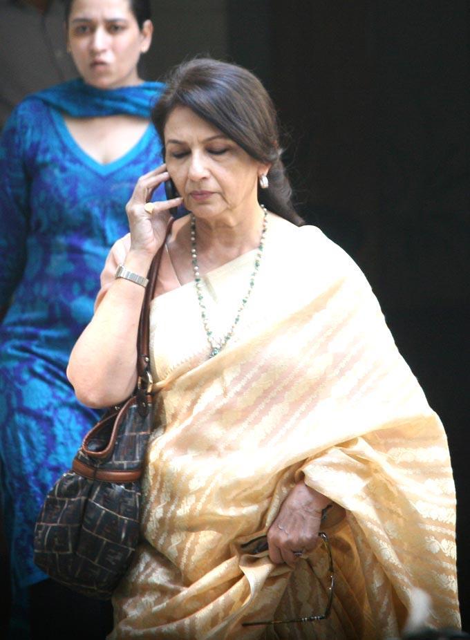 Sharmila Tagore At After Marriage Of Saif And Kareena
