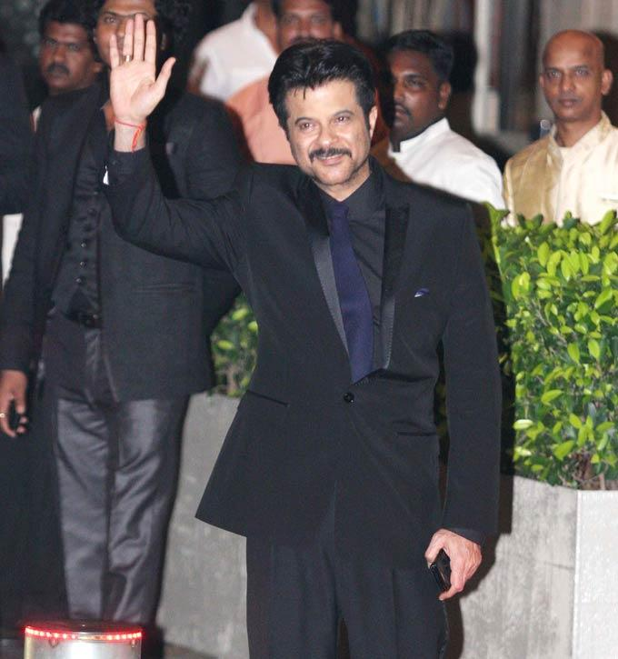 Anil Looks Amazing In Black Suit During Nikaah of Saifeena