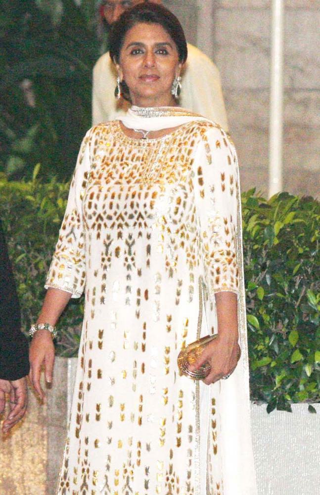 Neetu Clicked At Saifeena Wedding Event