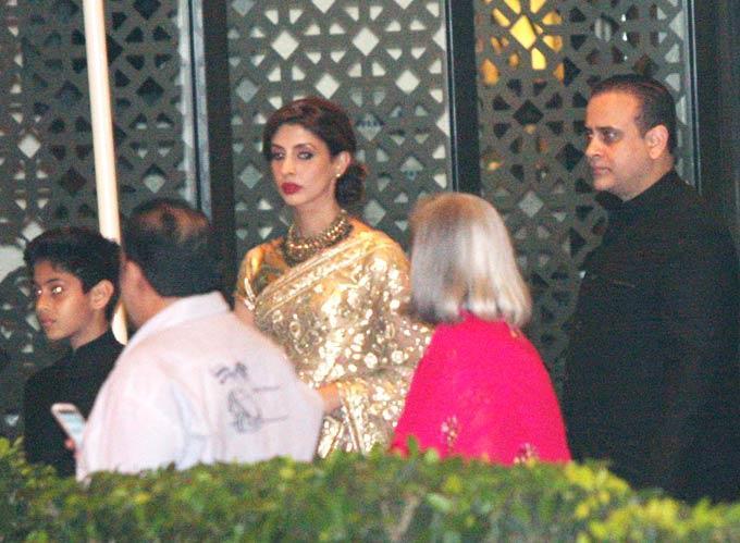 Shweta,Nikhil And Son Agastya Spotted At Saifeena Wedding Event
