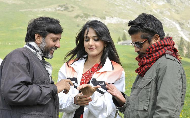 Anushka Cute Face Look On The Sets Of Damarukam Movie
