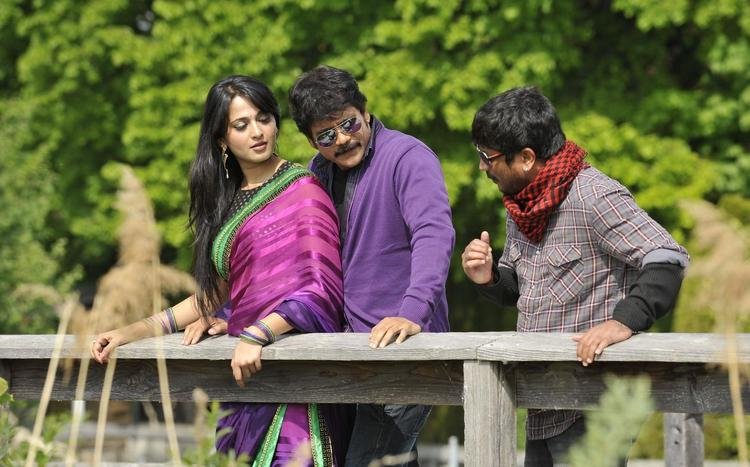 Nagarjuna And Anushka On The Sets Of Damarukam Movie