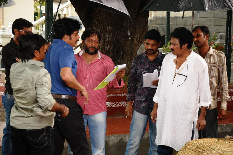 Nagarjuna Script Reading Scene On The Sets Of Damarukam