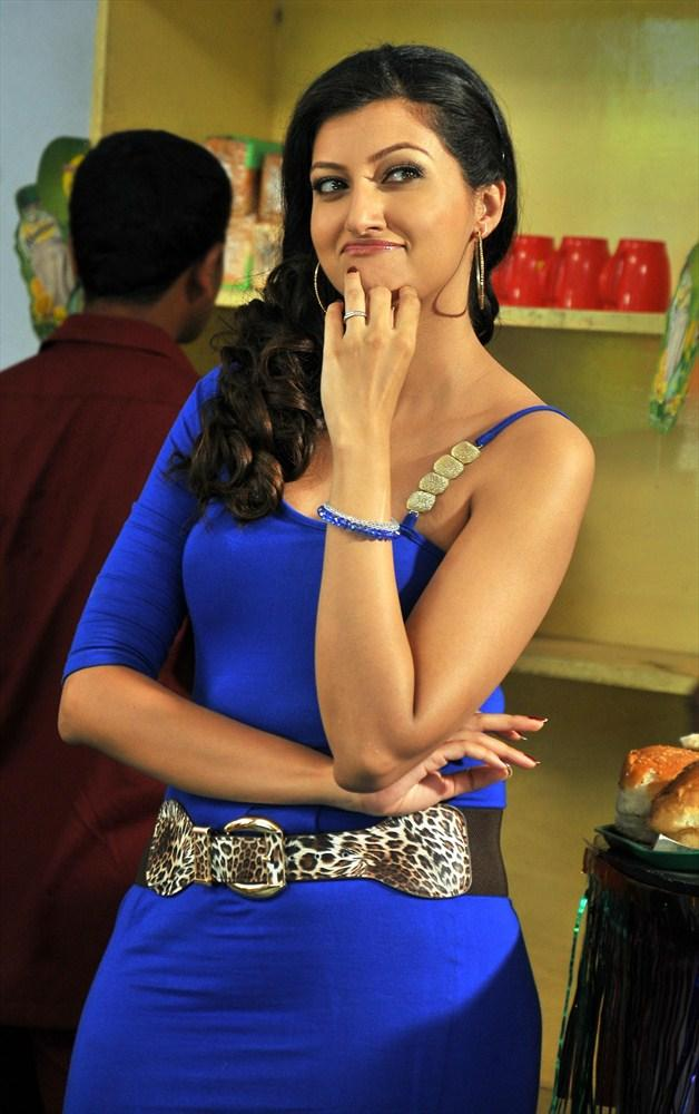 Hamsa Nandini Glamour Look Still In Tea Samosa Biscuit Movie
