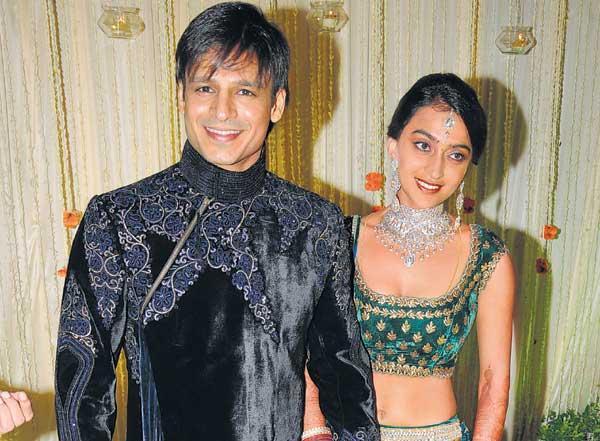 Vivek And Priyanka Alva Cool Smile Pic