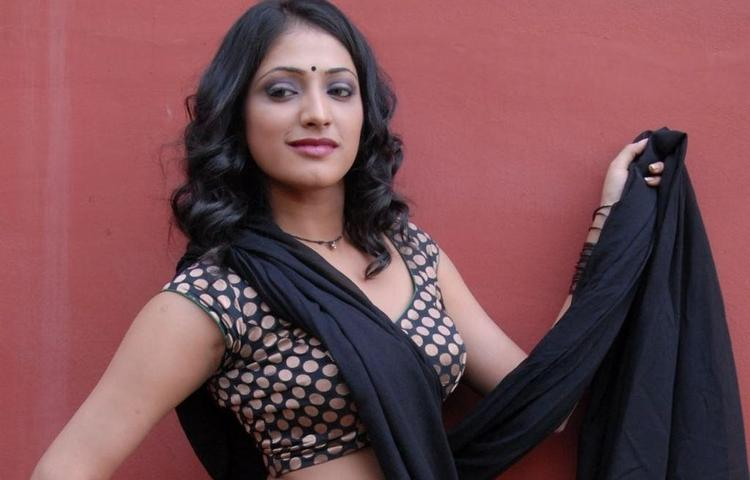 Haripriya Latest Sensuousness Saree Pic